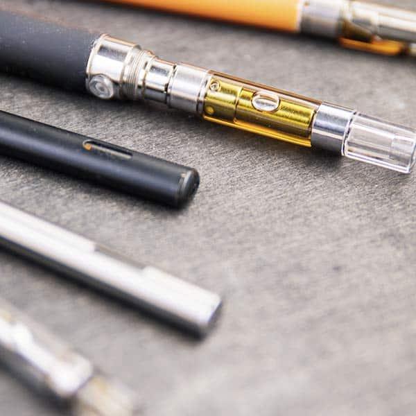 Vape pens THC free laid out