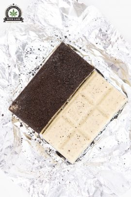 Potluck Cookies N' Cream Chocolate 300mg 2