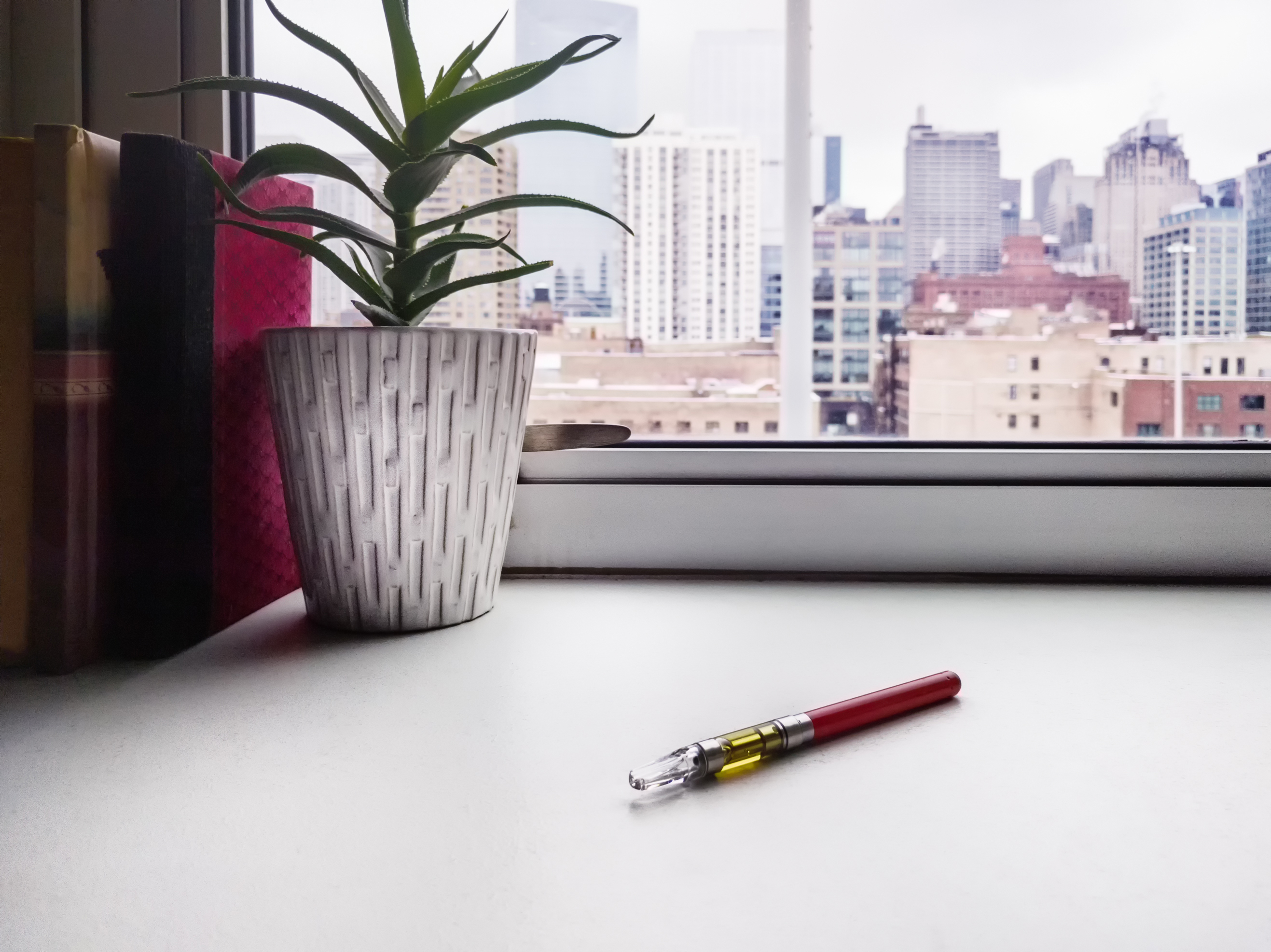 The Ultimate Guide to CBD Vape Pens (And Things to Watch Out For)